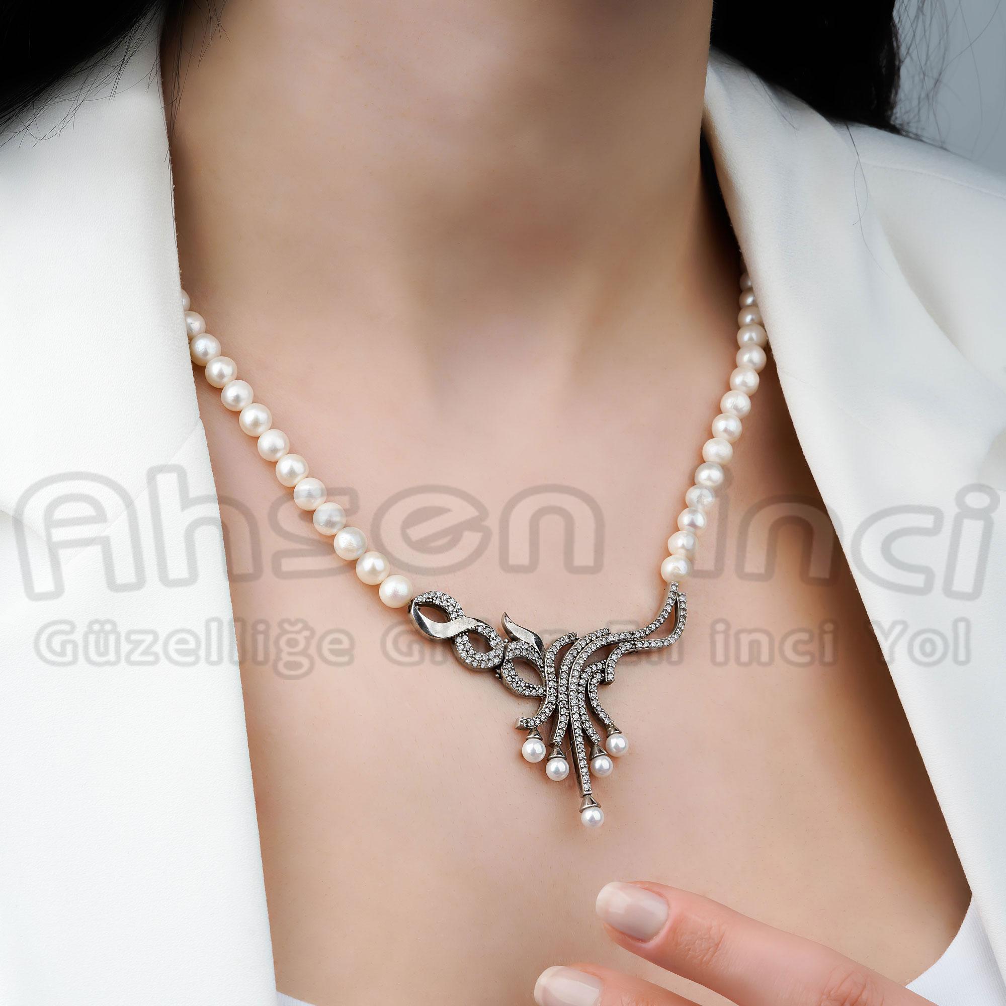 - Ahsen 925K Gümüş Zirkon Taşlı Klipsli Doğal Beyaz İnci Kolye-AH-0023